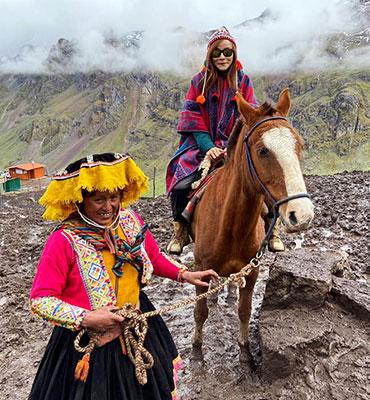 Rainbow Mountain Trip by Horse